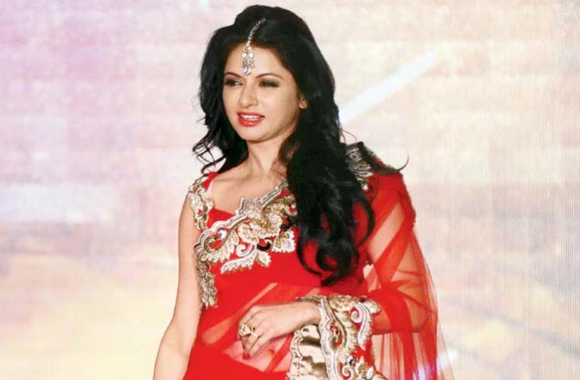 Unknown Facts About Bollywood Actress Bhagyashree - Flash Back: पहली ही  फिल्म सुपरहिट, लगी आॅफर की लाइन लेकिन एक गलती ने चौपट कर दिया कॅरियर |  Patrika News