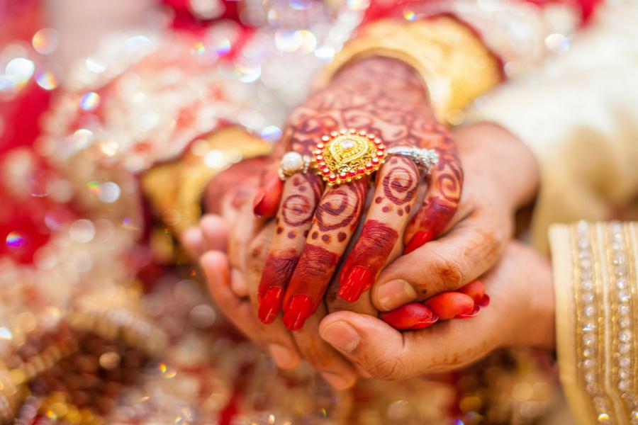 70 साल के बुजुर्ग ने 45 साल छोटी लड़की से की शादी, 24 घंटे के अंदर हो गया ये कांड