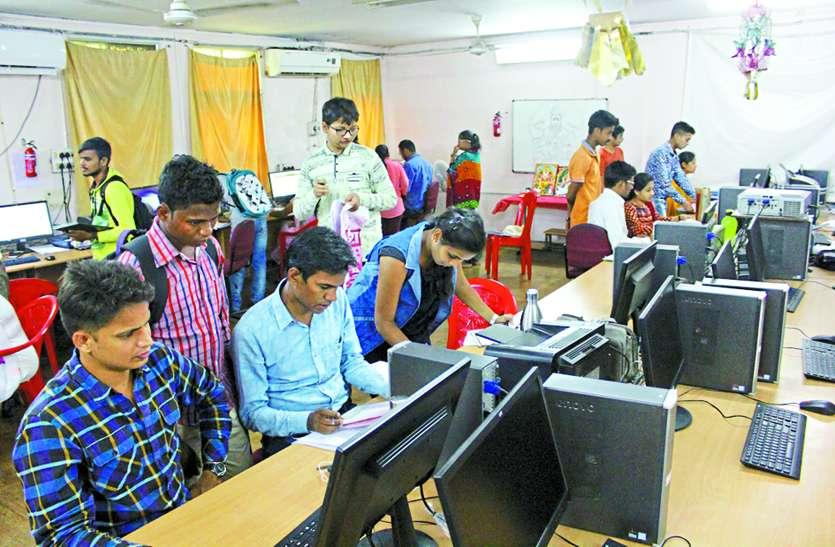 इंजीनियरिंग कॉलेजों में आवंटित सीटों के मुकाबले 50 फीसदी प्रवेश