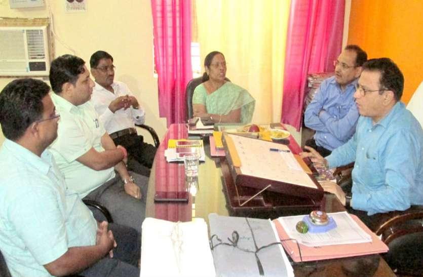 फर्जी शिक्षक भर्ती की जांच के लिए सुहागनगरी पहुंची टीम