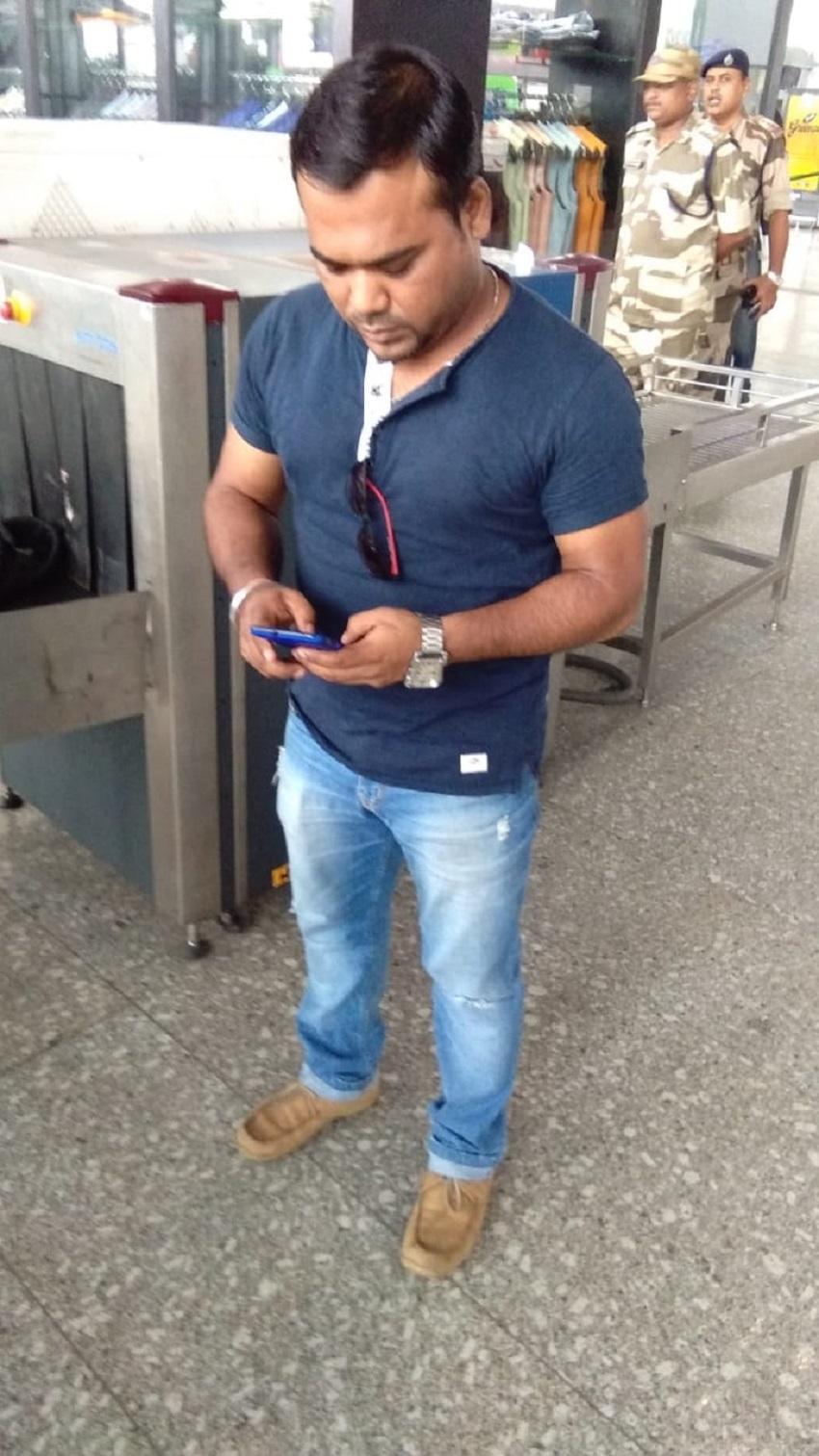 एयरपोर्ट पर जाली टिकट संग युवक गिरफ्तार