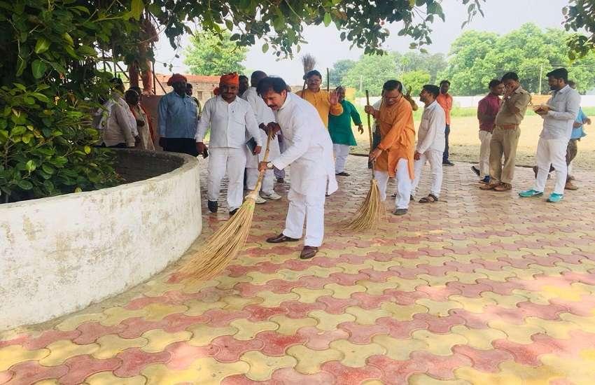 BJP Minister Anil Rajbhar