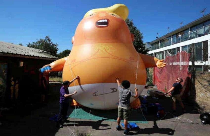 'डायपर बेबी ट्रंप' गुब्बारा