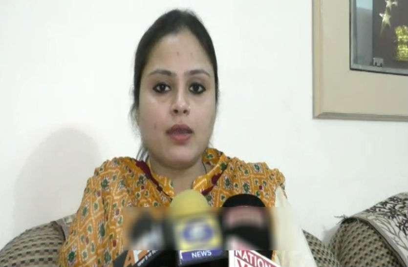 केन्द्रीय मंत्री की बहन ने की महिला काजी की मांग