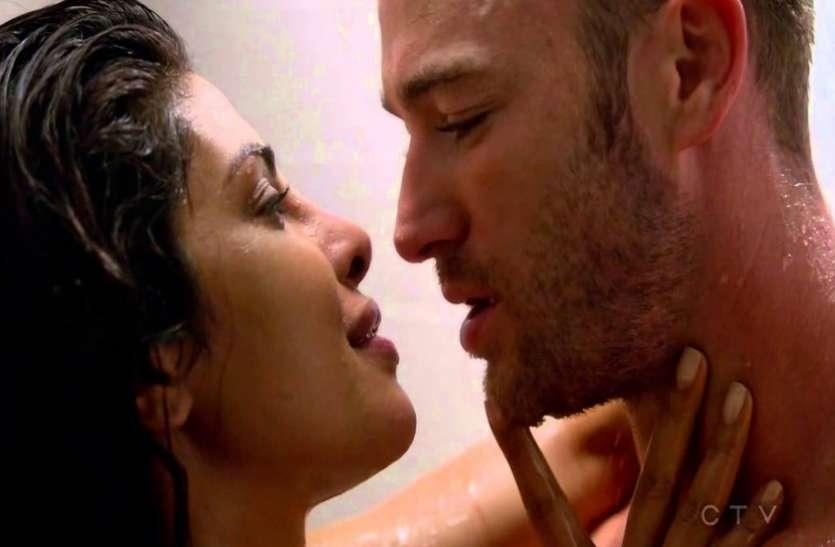 बॅालीवुड ही नहीं हॅालीवुड में भी छाया प्रियंका का हॅाट अवतार, इन 5 फिल्मों में दिए INTIMATE SCENES
