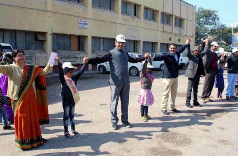 राष्ट्रीय पहचान मिलने के बाद थम गई अटल बाल पालक अभियान की रफ्तार