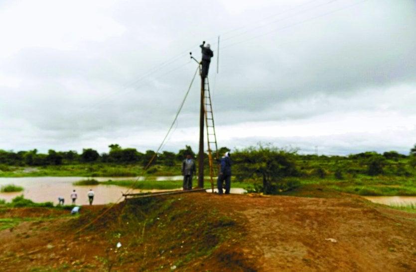 बारिश से किसानों ने ली राहत की सांस, बिजली सप्लाई में बाधा से 60 से ज्यादा गांव में ब्लैक आउट