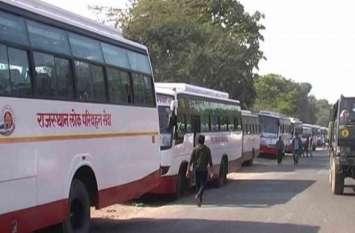 लोक परिवहन के नाम पर दौड़ रही अवैध बसें