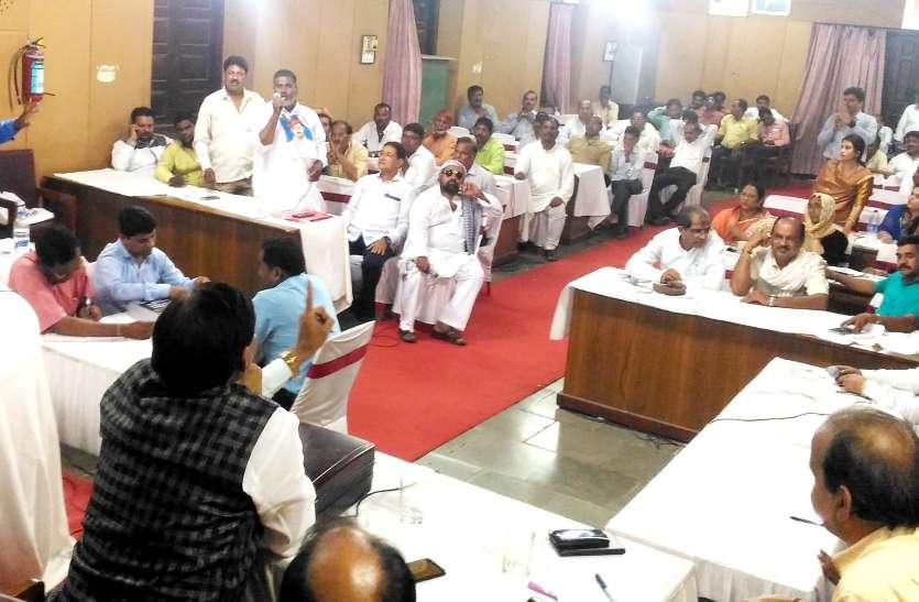 नूरा-कुश्ती का अखाड़ा बना निगम सम्मेलन, बहुमत की परिषद में बहस का शिकार बजट