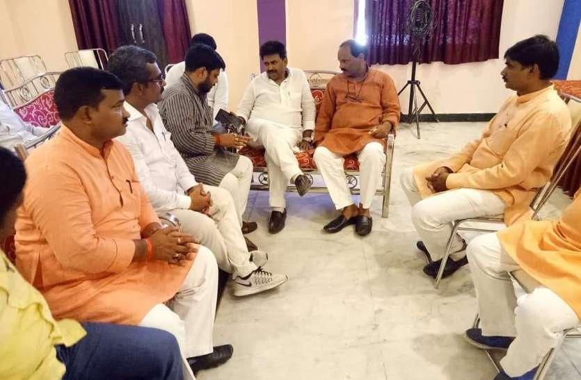 जौनपुर पहुंचे भाजपा काशी क्षेत्र अध्यक्ष महेश चन्द्र श्रीवास्तव, हुआ ऐसा स्वागत