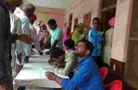 नेत्र चिकित्सा शिविर लगाकर 180 रोगियों की करी जांच