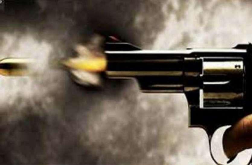 पुलिस और बदमाशों के बीच मुठभेड़, 2 बदमाशों को लगी गोली, एक फरार