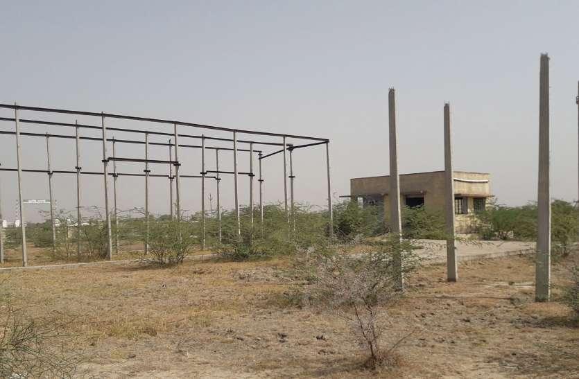 जयपुर डिस्कॉम की अनदेखी पांच साल से अधूरा पड़ा है जीएसएस का कार्य, ग्रामीण हो रहे बिजली ट्रिपिंग से परेशान