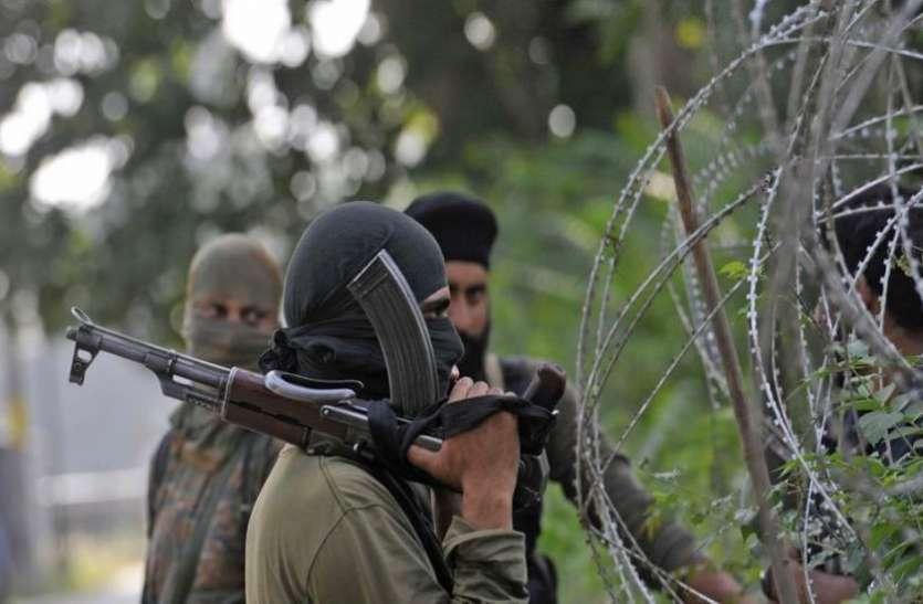 कश्मीर: एक युवक ने छोड़ा आतंक का रास्ता, पुलिस को किया सरेंडर