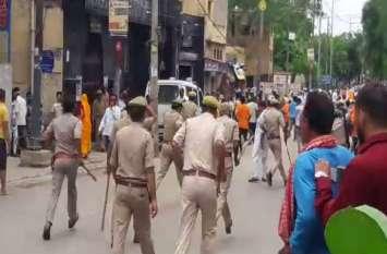 मुड़िया मेले में पुलिस कार्रवाई से नाराज संतों ने की कानून मंत्री से शिकायत
