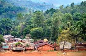 अंतिम संस्कार भी खेतों पर होते हैं इस गांव में