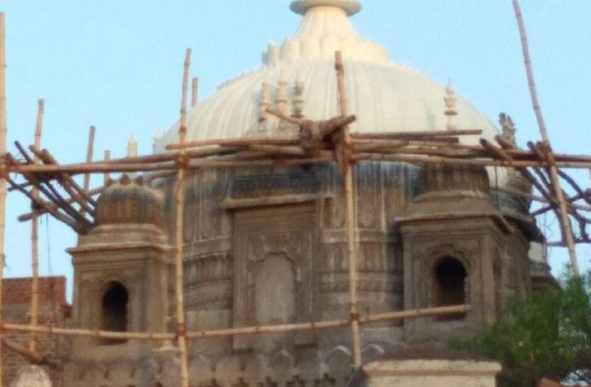 मंदिर से 50 किलो सोने का कलश चोरी