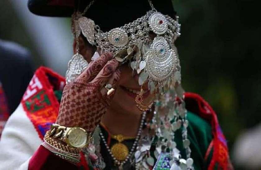 omg-facts-bizarre-wedding-tradition