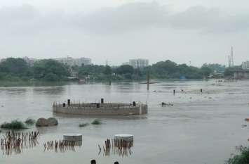 दिल्ली में बाढ़ का खतरा : सरकार ने कई इलाके के लोगों को घर खाली करने को कहा