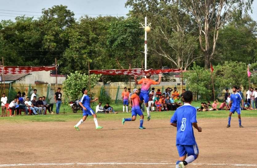 रतलाम, स्व. अब्दुल रज्जाक एवं अब्दुल नजीर की स्मृति में जिला स्तरीय फुटबॉल प्रतियोगिता।