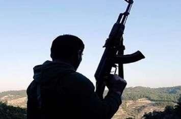 जम्मू-कश्मीर में आतंकियों की नापाक हरकत, छुट्टी पर आए जवान को घर में घुसकर गोली मारी