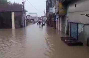 नाचन नदी ने दिखाया रौद्र रुप, बहा कर ले जा रही गरीबों का आशियाना