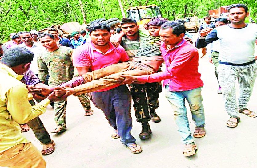 मजदूरों से भरा कंटेनर पेड़ से ऐसे टकराया की उड़ गए परखच्चे, 20 घायल
