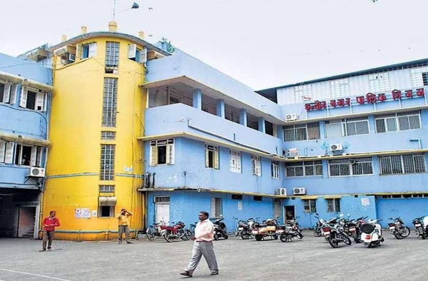एलइडी लाइट न लगाने पर हैदराबाद की कंपनी को टर्मिनेशन का नोटिस