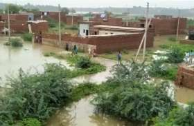 बारिश के पानी से बढ़ा यमुना का जलस्तर, लोगों से सतर्क रहने की अपील