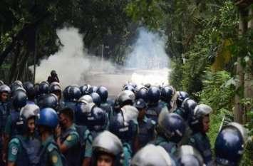 ढाका: छात्रों के प्रदर्शन के बीच अमरीकी राजदूत पर हमला, अज्ञात हथियारबंदों का हाथ