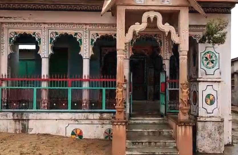 चारभुजा श्याम मंदिर में चोरी सोने चांदी के आभूषण किए पार