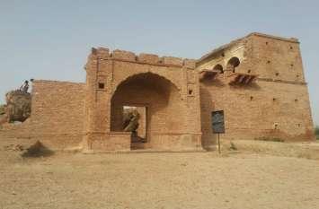 1857 की क्रांति का गवाह बना हुआ है ये किला, 57  ठाकुरों को दी गई थी फांसी