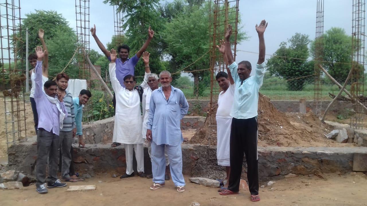 खुली घटिया निर्माण की पोल, ग्रामीणों में रोष