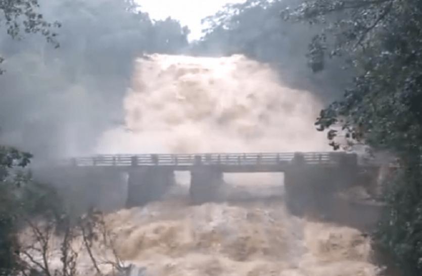 केरल में भारी बारिश और भूस्खलन से 24 घंटे में 26 की मौत, 337 फीसदी ज्यादा हुई वर्षा