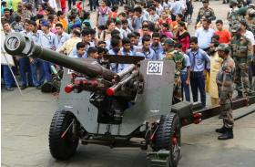 सेना ने किया हथियार और उपकरण प्रदर्शनी का आयोजन