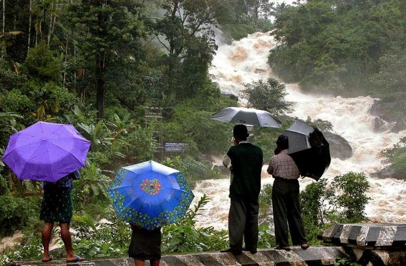 केरल में बारिश ने ली 29 लोगों की जान, 54 हजार लोग हो गए बेघर