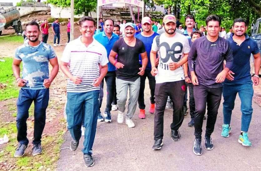 आलीराजपुर से मालवई तक लगाई मैराथन दौड़