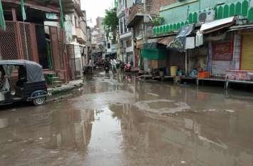 मंत्री की सिफारिश पर लग्जरा कंपनी को मिला है सीवर सफाई का जिम्मा, बद से बदतर हो गई स्थिति