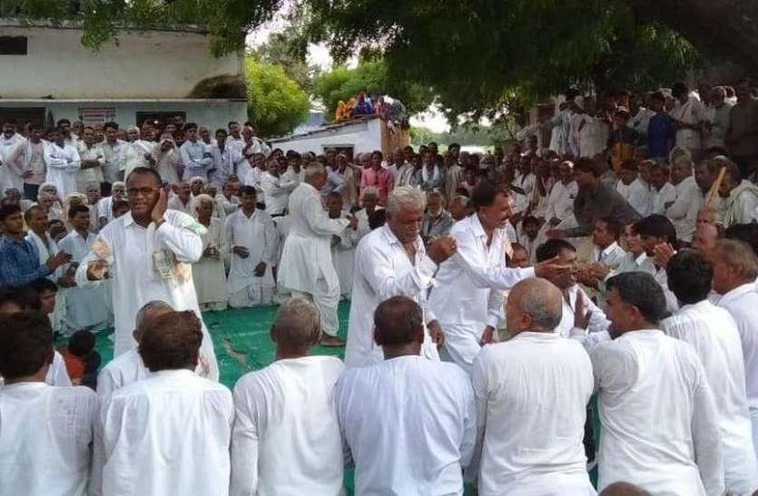 रचनाओं में खोए रहे श्रोता, सहजनपुर में कन्हैया दंगल