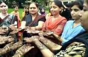 Hariyali Teej: कल है हरियाली तीज, सजने लगी मेहंदी- देखें वीडियो