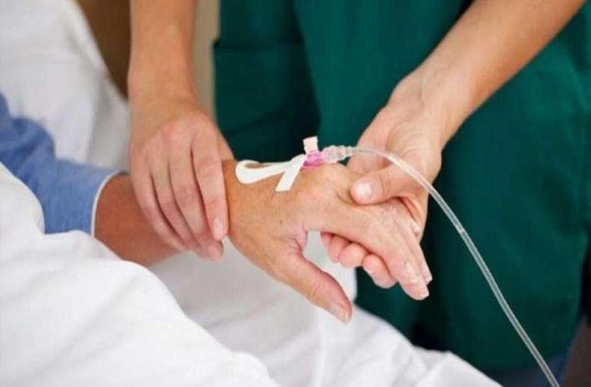 डाॅक्टर्स आैर आॅप्टीमेट्रिस्ट ने नर्स से कही थी ये गंदी बात, आहत होकर उठा लिया खाैफनाक कदम