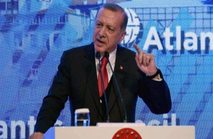 सिर्फ एक पादरी के लिए तुर्की को झुकाने में लगा अमरीका: रेचेप तैय्यप