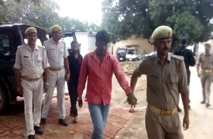 चूने के ढेर में छुपा कर बिहार ले जाई जा रही थी प्रतिबंधित चीज, यूपी पुलिस का बड़ा खुलासा