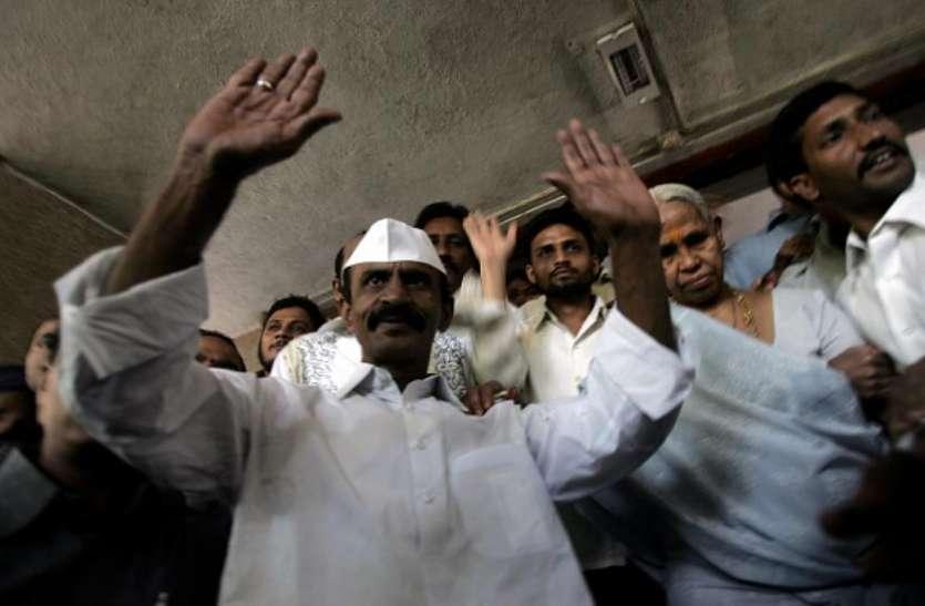 उम्रकैद की सजा काट रहे गैंगस्टर अरुण गवली ने किया टॉप, परीक्षा में पाए 90 फीसदी से ज्यादा अंक