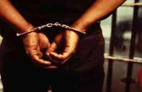 गोरखपुर दंगा के पीड़ितों की लड़ाई लड़ने वाला यह शख्स गैंगरेप केस में गिरफ्तार