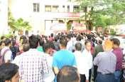 प्रदेश में अचानक बैंक कर्मचारियों ने इन मांगो को लेकर कर दिया प्रदर्शन, देखें वीडियो रिपोर्ट