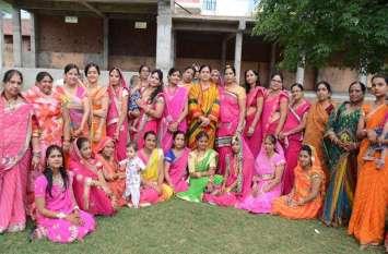 TONK@ PHOTO: सौलह श्रृ़ंगार कर निखारा रुप, तीज महोत्सव पर लहरिया पहन यू इंठलाई युवतियां...देखे तस्वीरें