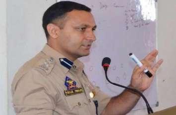 कश्मीर पुलिस का ये अफसर 11 साल से सीने में गोली लेकर कर रहा है ड्यूटी, मिला शेर-ए-कश्मीर मेडल