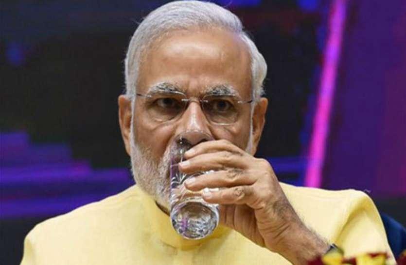 बड़ी खबर: पीएम मोदी के गढ में ममता बनर्जी ने रखा कदम, राजनीतिज्ञों में मची हलचल