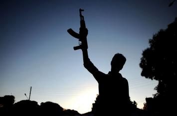 कश्मीर: नेशनल कॉन्फ्रेंस के नेता के आवास पर आतंकवादी हमला, ऐसे बची जान